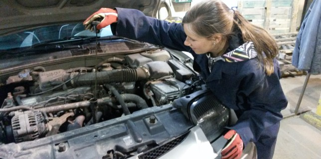 Have Your Car Maintained By the Same Mechanics Who Change Your Oil